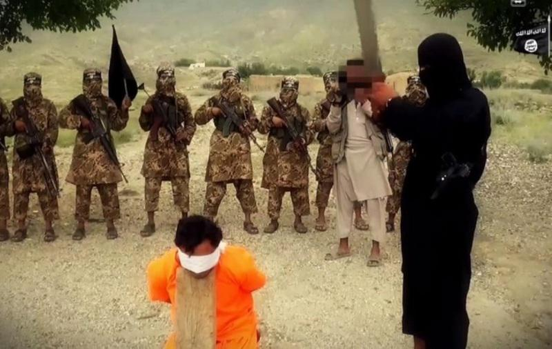 Newest Horror From the Islamic State: Afghan Captive Executed With His Head on a Chopping Block