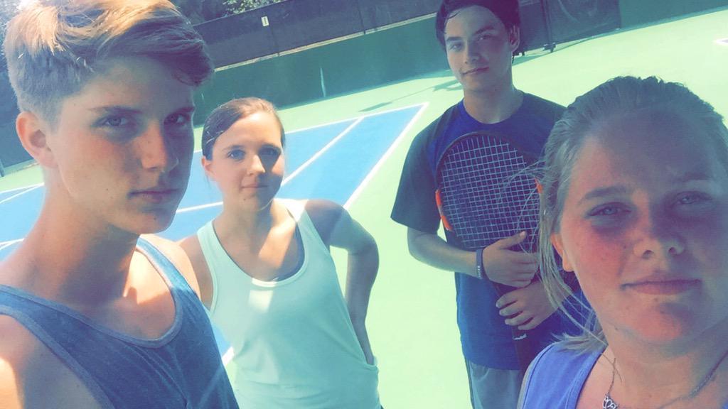 #MuggingMonday #NoMakeUpMonday  #itsbeentoolong #TennisIsLifepic.twitter.com/Gyqssb26gi