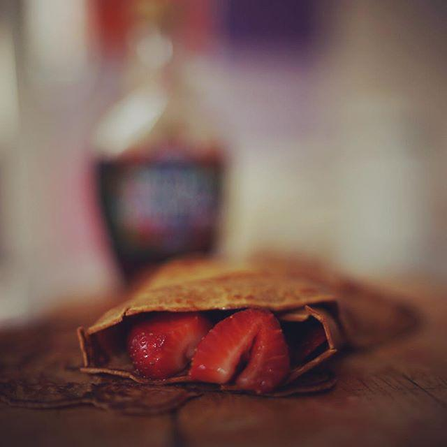 No time for espresso + crepes = espresso crepes (express(o) crepes?) cup of plain flour, 2… http://t.co/vuBHwPWjXa http://t.co/HaLn7ILAYJ