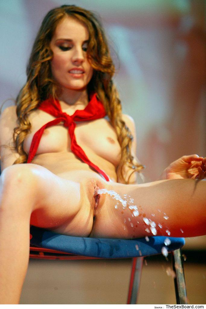 Squirting on stage