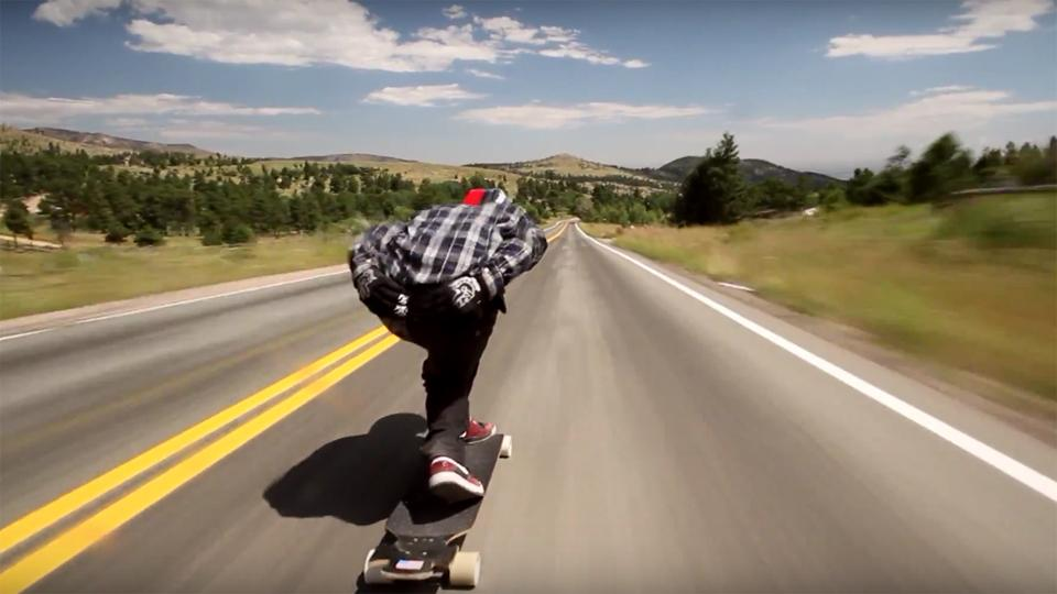 VIDEO YouTube: Strepitosa discesa in Skateboard di Zak Maytum, incredibile e virale.