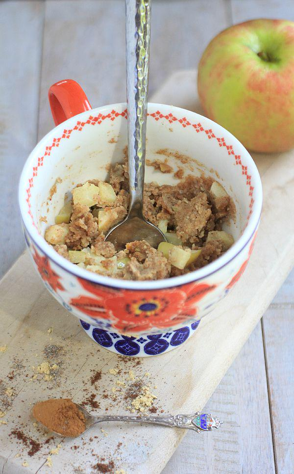 Cake for breakfast anyone? *Healthy* Chai Spiced #GlutenFree Apple Pie Mug Cake-yum! http://t.co/OGsiLmN38G http://t.co/GWM4lyJyn3
