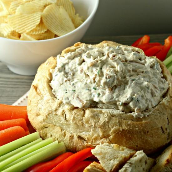 This Caramelized Onion Dip is always a favorite for parties!  http://t.co/5FOwu8oS3a http://t.co/Z4hEqVyKEr