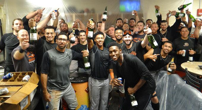 Champagne is flowing in the clubhouse! The Ducks have clinched a spot in the playoffs! We'll see you Wednesday night! http://t.co/Oj1dBu2TRc