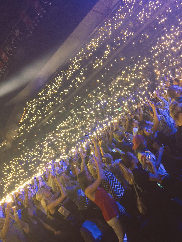 The #sheerios looks like fireflies. #Cities97Ed #lightningbugs http://t.co/rHS1MAPMRI