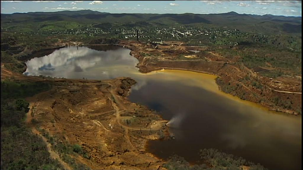 There are 50,000 abandoned mines around Australia – who pays for the cleanup bill?  #auspol #taxpayer #mining http://t.co/gEdvWVMda4