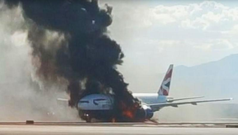 Boeing 777 della British Airways diretto verso Londra in fiamme in fase di decollo all'aeroporto di Las Vegas