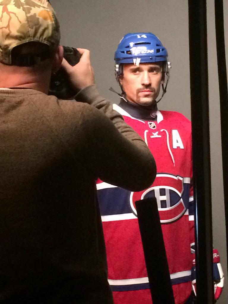 Canadiens Montreal On Twitter Seance Photos Avec Le Nouveau Chandail Photoshoot With The New Jersey Strike A Pose Pleky Gohabsgo Nhlmediatour Http T Co 1bgxjotvig