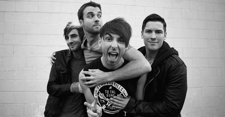 Who's seen @AllTimeLow perform? They've just won @AIMAwards' #BestLiveAct! Congratulations! http://t.co/9n0N1PCiIL http://t.co/3DvDG8bw9W