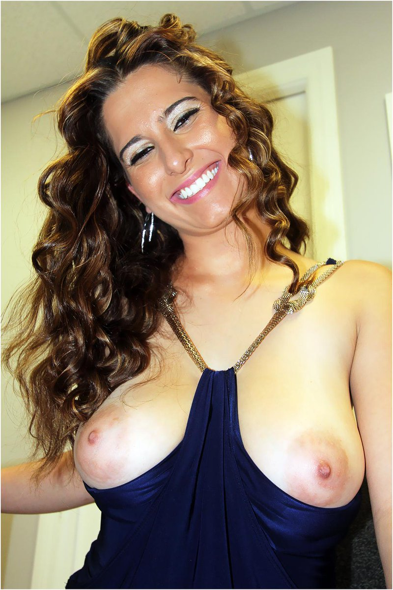 Hairy pussy milf  masturbates to orgasm