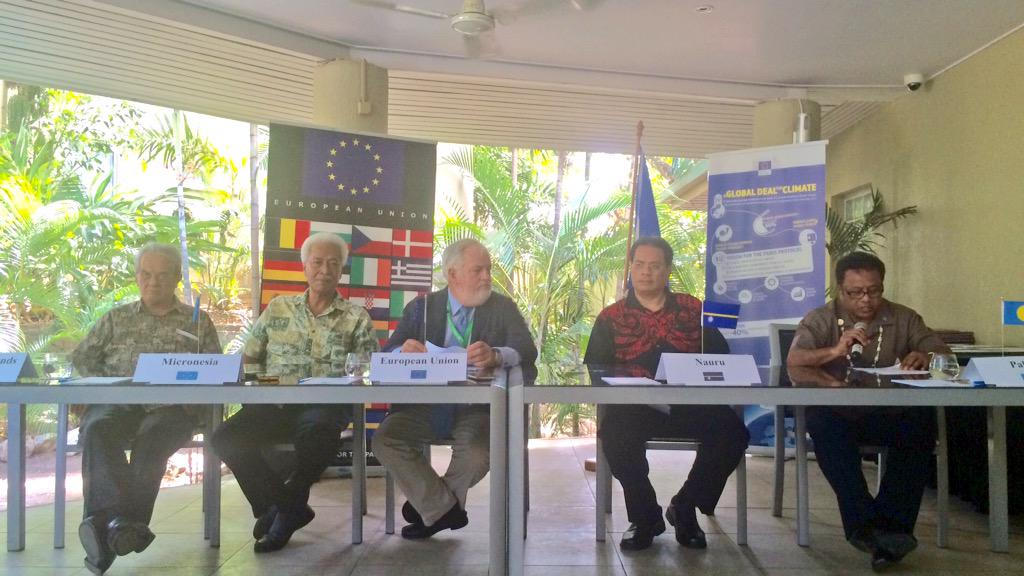 Pacific ties: EU signs sustainable energy declarations with Pacific Islands http://t.co/HY3ibZbLDI #COP21 #Paris2015 http://t.co/HGjmEMc00V