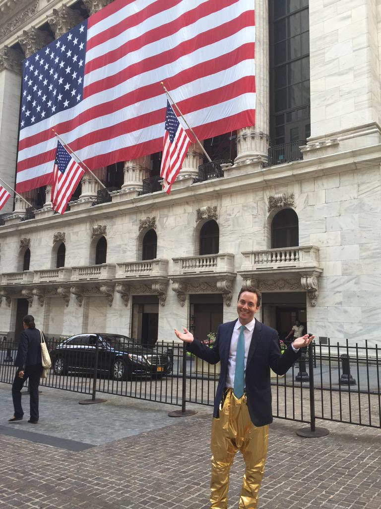 Delivering on a promise I made to @zillow employees by wearing @MCHammer Pants @NYSE @CNBC  #ZillowLife http://t.co/U5OKrUZqky