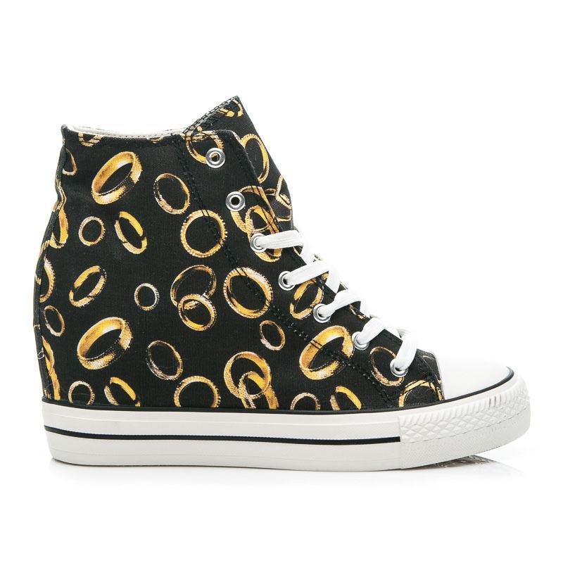 b6017405f4e2 Tenisky krúžky https   www.cosmopolitus.com sneakersy-obraczkami-