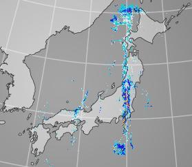ここまできれいに南北に雨が分布しているのも珍しいな http://t.co/tdmj58azoD