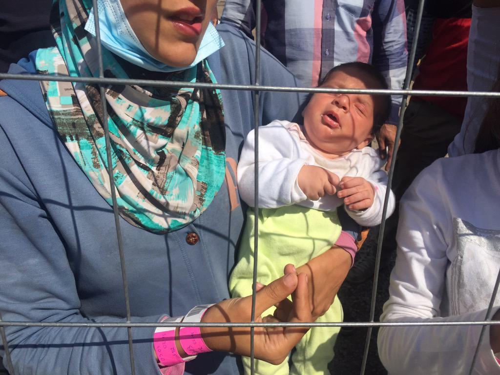 What is happening to us? Why are they treating us like animals? This is what we hear all day at Hungary border. http://t.co/XhkhB2ednw