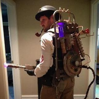 #Cosplay Awesome of the Day: Great #Steampunk #Ghostbusters Proton Pack!  via @grantswilson #SamaCuriosities