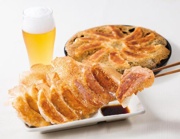 今日の晩御飯は餃子とビールの黄金コンビなんていかがですか。 大阪王将のお店では餃子のテイクアウトもできますよ♪o(^-^)o ワクワクッ http://t.co/aaJkkqkuFl