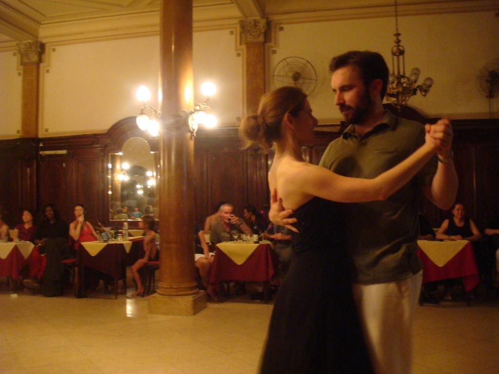 #TBT to #Porteños y #Porteñas liking to get dealt with on the #tango #dance floor. #BuenosAires #Argentinapic.twitter.com/mXsO6KUYC5