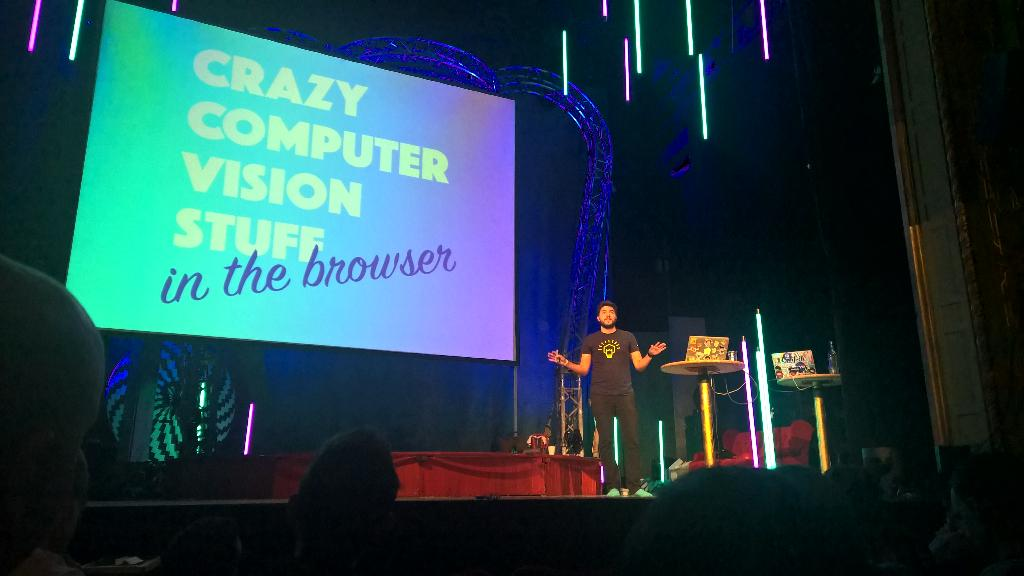 Computer vision in the browser, is that possible? @zenorocha claims it is #nordicjs http://t.co/Fcqjthbyeb