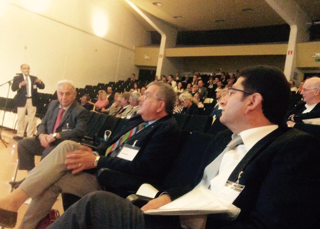 Mini PCNL or standard PCNL? Speaker E.Liatsikos discussed pros & cons #eulis15 full story at http://t.co/tVSaR1GSik http://t.co/CAfU16cmKL