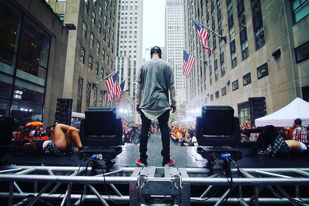 Thank you for an amazing performance @justinbieber #BieberTODAY #BieberIsBack #WhatDoYouMean  http://t.co/0x3HreF9LR