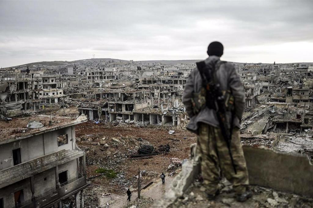 Bir ülkenin vatandaşları birbirinden nefret eder hale geldiğinde ortaya çıkacak tabloya bir bakın isterseniz. Suriye! http://t.co/dSTk18sGcv
