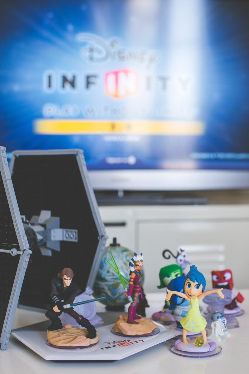 #Concours Follow + RT pour gagner un pack Disney Infinity 3.0 sur PS4 + 5 figurines Vice Versa, fin le 25/09 http://t.co/yoNOiwajIR
