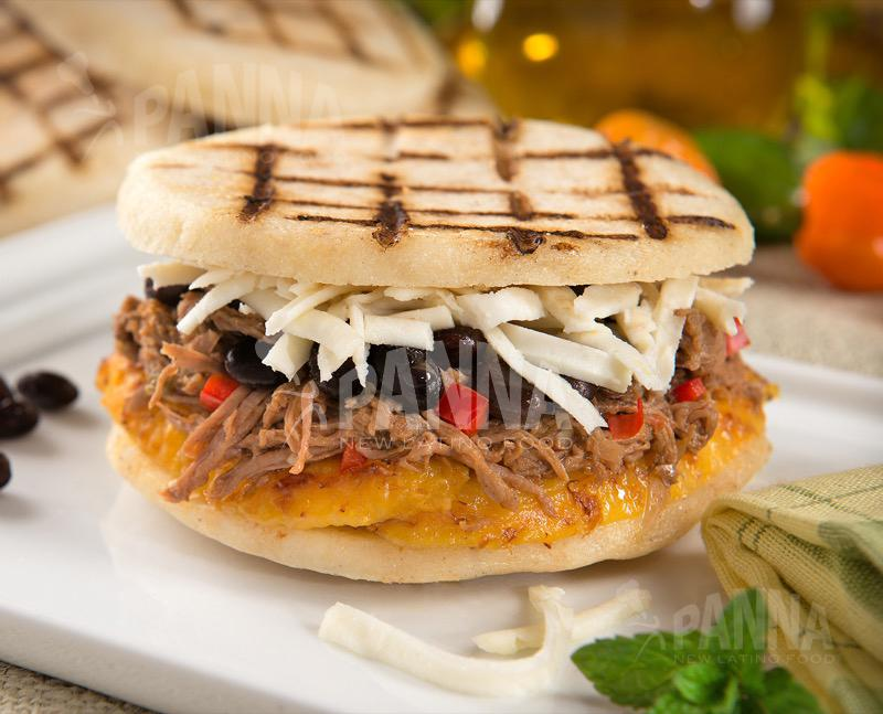 Our 'Pabellon' arepa. Have it today for only $5 #ilovemypanna #deals2high5for #diamundialdelaarepa http://t.co/E5arkEITIU