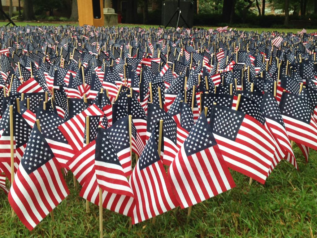 ICYMI these 2,900+ flags will be on display at Mendenhall all day. Stop, reflect and share. ##NeverForget #ECU http://t.co/6YUYxiTz1n