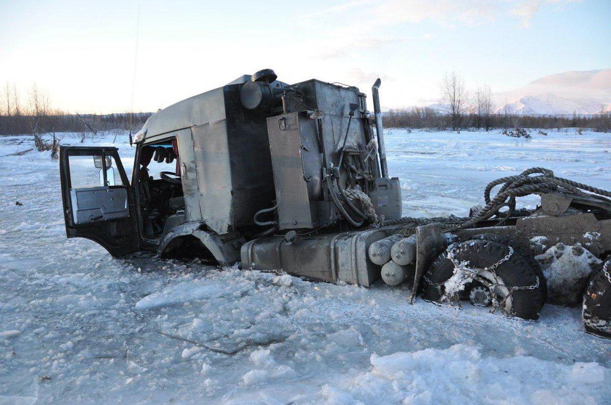 Смотреть дороги севера разбитая техника и машины
