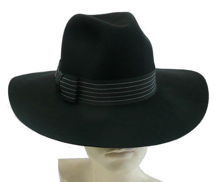 Pierre Cardin hat on Twitter