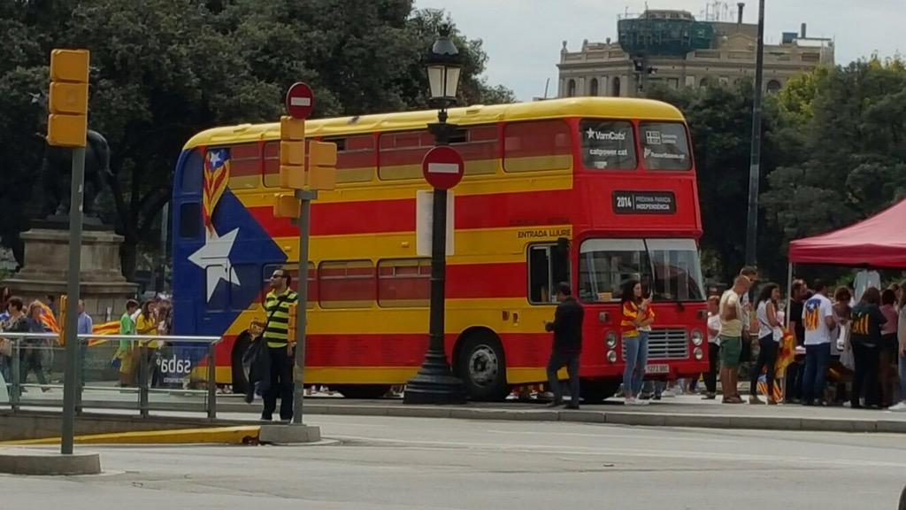 Happy #Diada2015 to my #catalan friends from California! http://t.co/r7kOXdBLHK