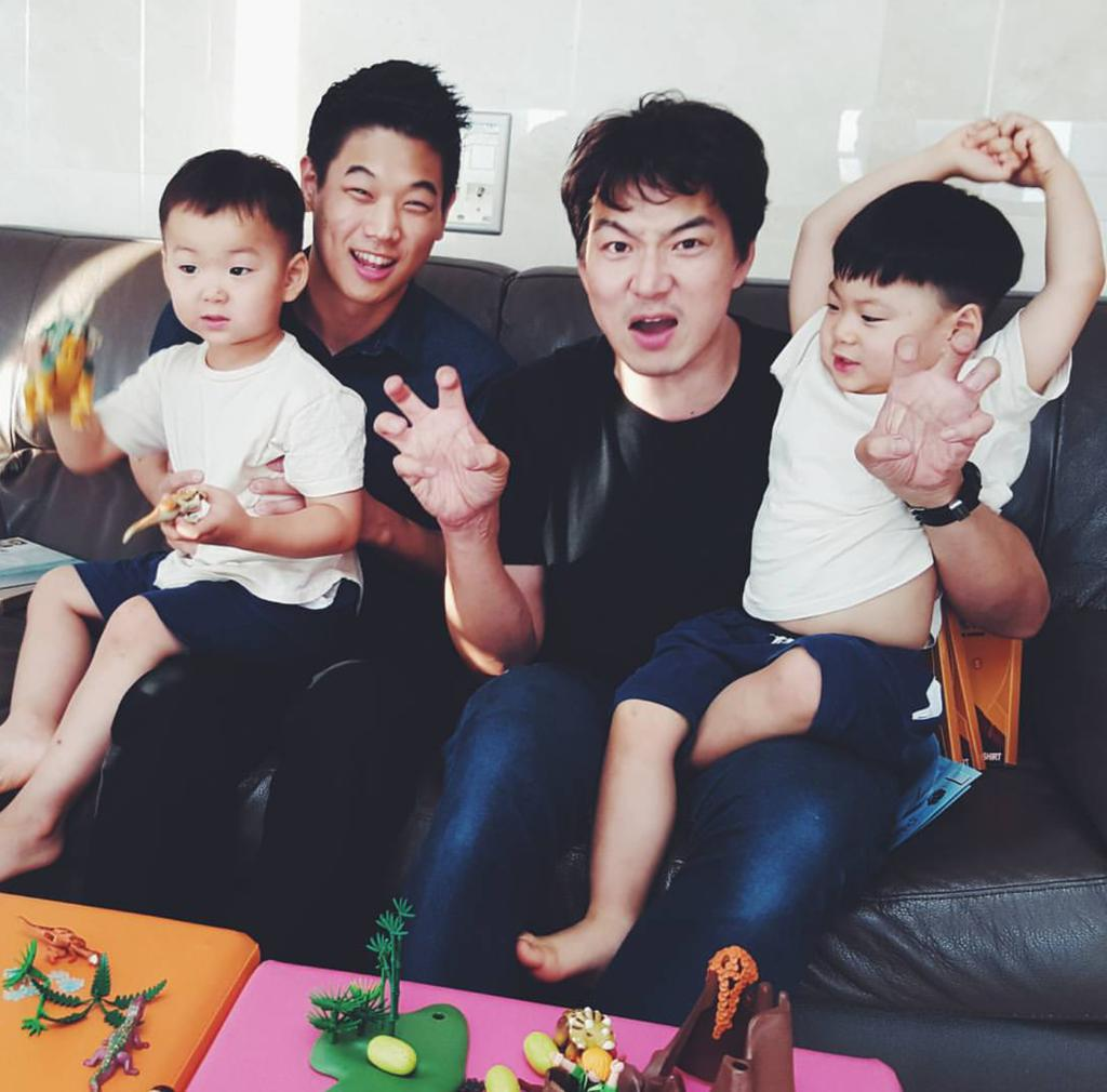 Omg 'Minho' with Daehan Minguk Manse