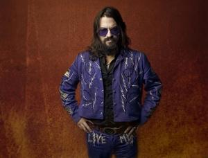 @ShooterJennings with Waymore's Outlaws (Waylon's band!). Friday 9/18, don't miss history: http://t.co/y5TQvMCgFB http://t.co/85YPFf4SwC