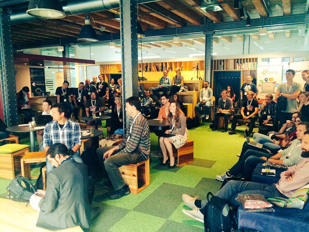 První pražský #measurecamp začíná úvodním přivítáním od @peter_oneill a @paveljasek. http://t.co/HJdBL4wyBK