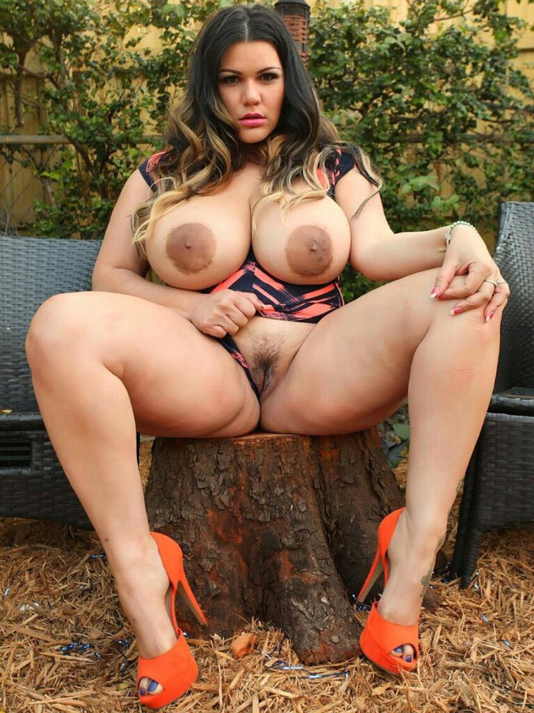 A beautiful plump and voluptuous blonde gets her neck bound with her tits out 1