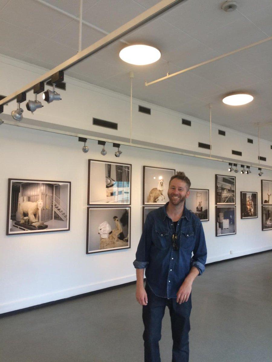 Se Helge Skodvins fotoutstilling i 2.etg i Universitetsaulaen #uibalumni http://t.co/d6QhIwbfvt