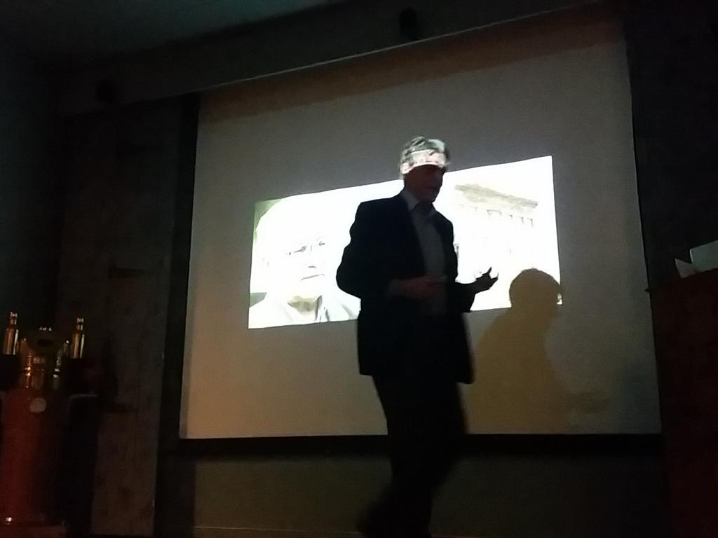 Professor Christian Meyer fortel om øydelegginga av den syriske kulturarven under Alumnusdagen. #Syria @UiBalumni http://t.co/PMi1tDv6Fi