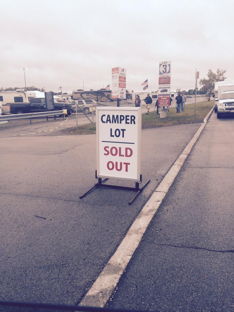 Camper lot at The Ralph has sold out. Only the 2nd time in history it's sold out the day before the game. @WGRZ http://t.co/4aY4p2ZFFf
