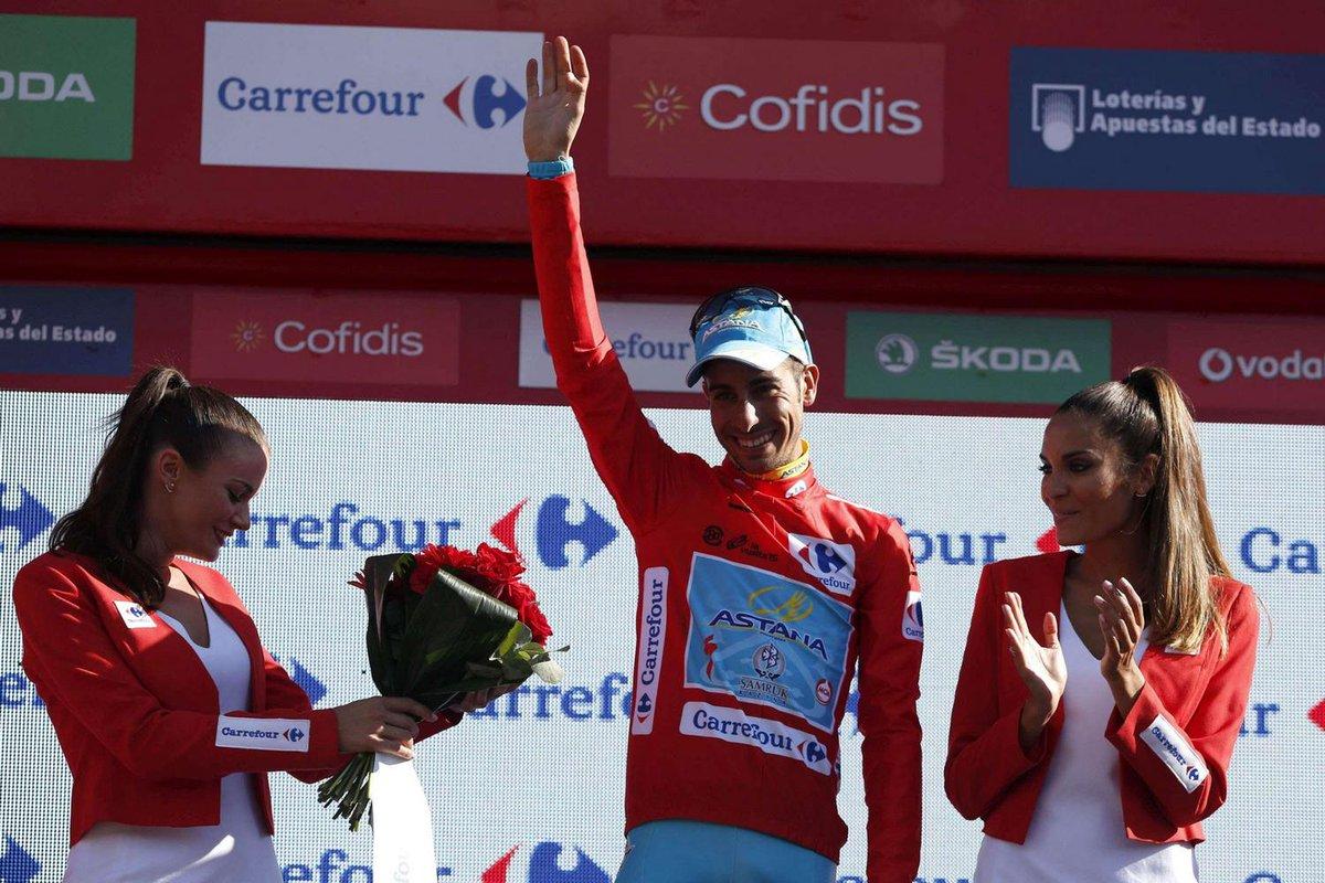 Il sardo Fabio Aru si aggiudica la Vuelta di Spagna 2015 di ciclismo.