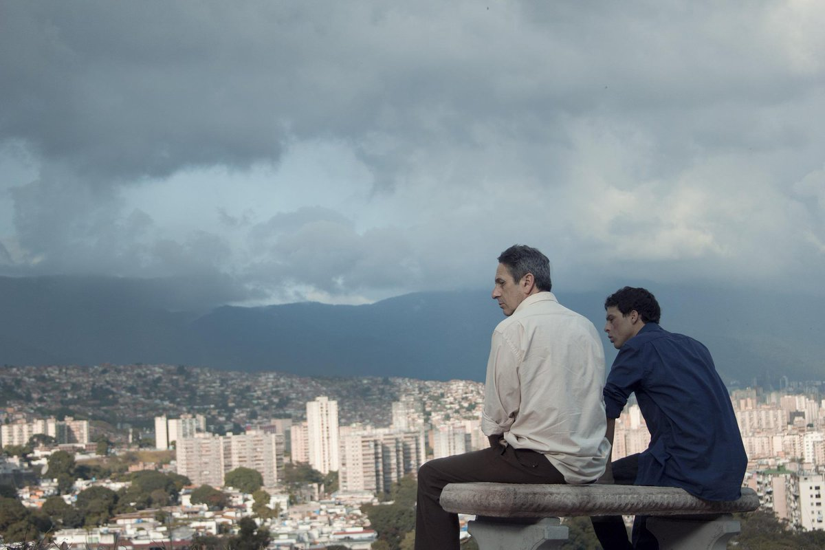 #Venezia72 GOLDEN LION for Best Film to: DESDE ALLÁ (FROM AFAR) by Lorenzo Vigas (Venezuela, Mexico) http://t.co/GxLdPuvE74