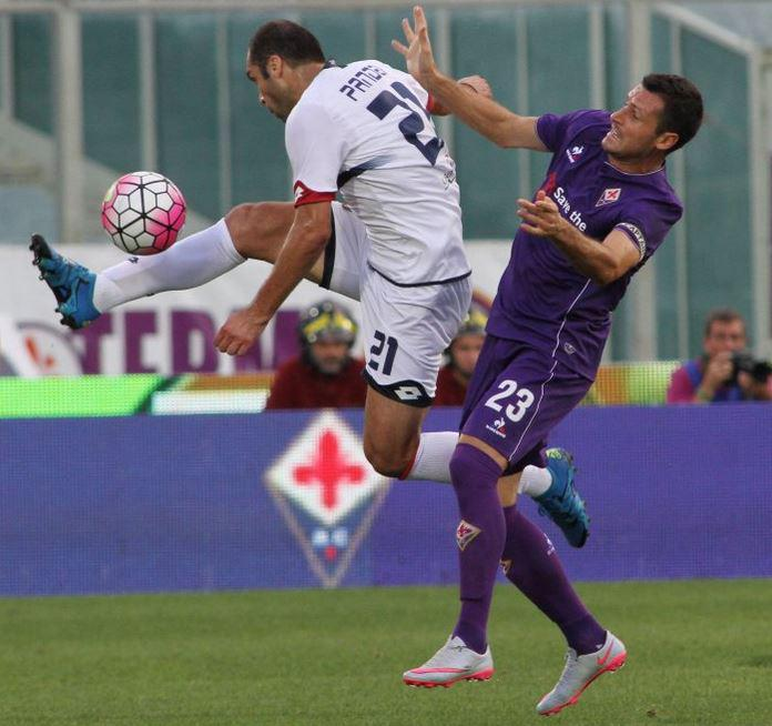 Pandev tries to control the ball