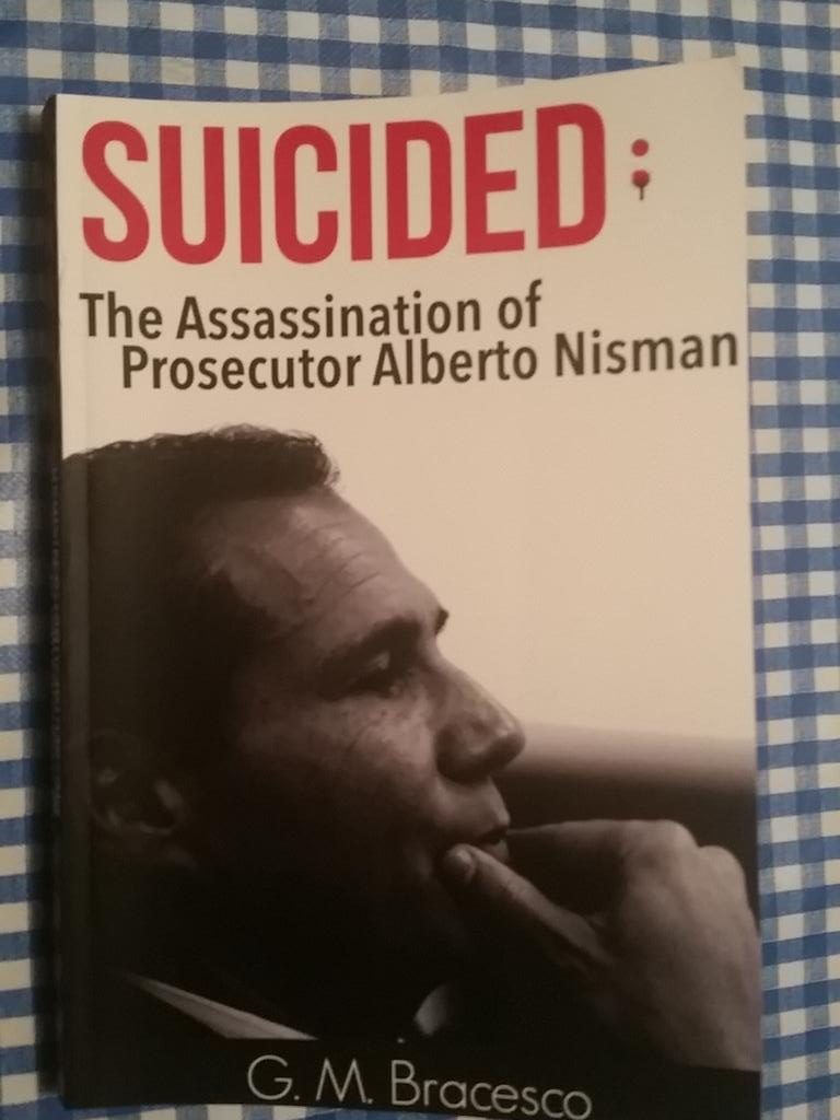 Met the esteemed #Argentina journalist @Bracesco and was gifted his book on #AlbertoNisman <br>http://pic.twitter.com/mFzScio29t