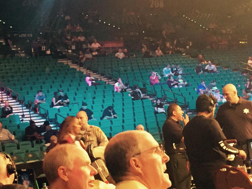 #MayweatherBerto PPV   About to begin.  Anybody watching?  Not many at @mgmgrand http://t.co/8EWzs2whjl