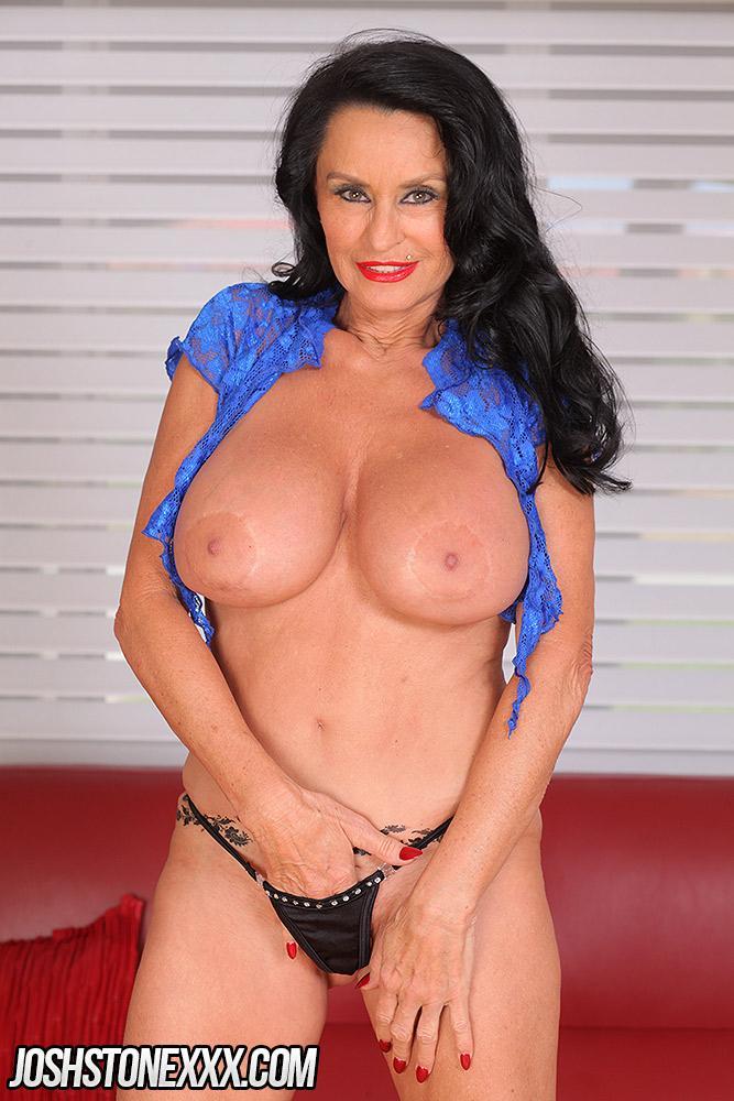 big tits naked gilfs