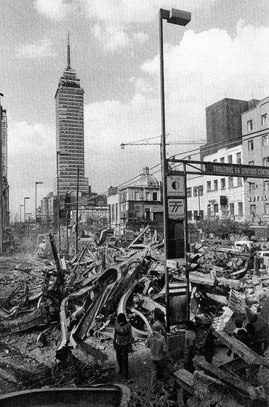 """Visita la exposición """"A 30 años del sismo"""" en el @m_estanquillo http://t.co/CcPCudPOrD http://t.co/95uRxh2p3y"""