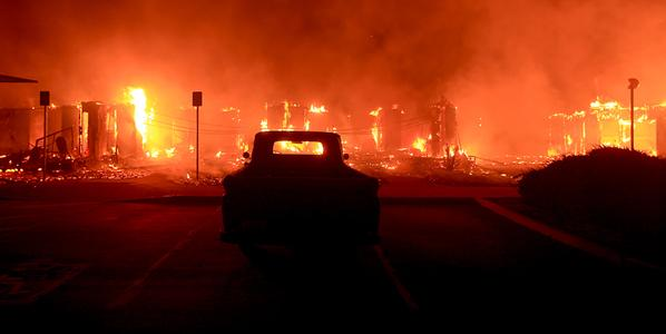 California wildfires destroy more than 180 homes…