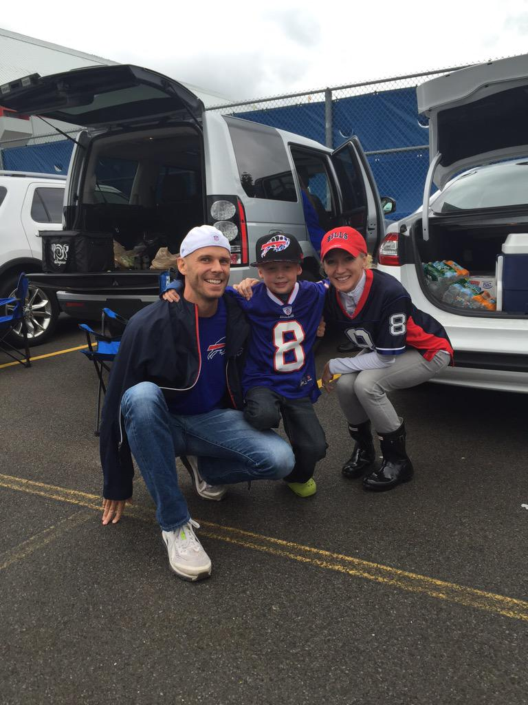 First @buffalobills tailgate http://t.co/BIhneYo7M6