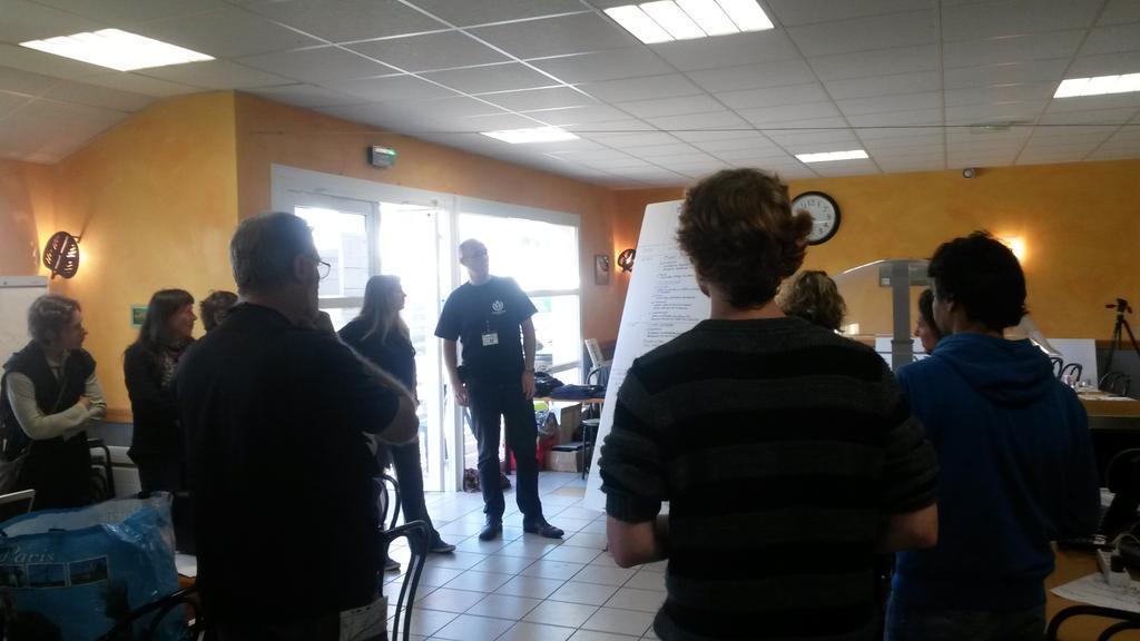 Introduction de l'Opération Libre à Chéméré par @LiberTIC @OSM_FR @Wikimedia_Fr et @RegardsCitoyens #OPLChéméré http://t.co/mAKN4Neqo3
