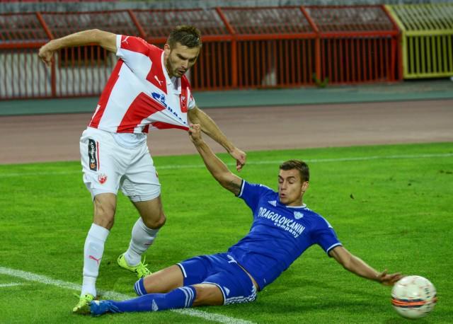 Ashkovski makes a sliding challenge